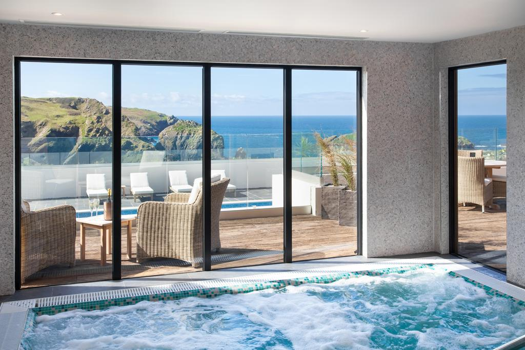 The swimming pool at or close to Mullion Cove Hotel & Spa